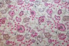 画像1: 「即納J」はぎれ70×48:ペルゼ風花柄(ベージュベース、ピンク)/105g (1)