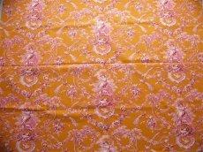 画像3: 「即納J」はぎれ70×50:ブランコに乗った少女(オレンジベースピンク)/ 95g (3)