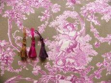画像6: 「即納J/F」はぎれ70×50:ブランコに乗った少女(麻色ベース紫) /95g (6)