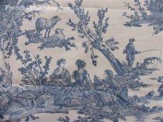 画像1: 「取寄せ」布:復刻版tdj四季の喜び(トワル、白ベースブルー)長さ50cm単位 /160g (1)