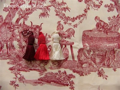 画像1: 「取寄せ」布:復刻版tdj四季の喜び(トワル、白ベース赤)長さ50cm単位 /160g