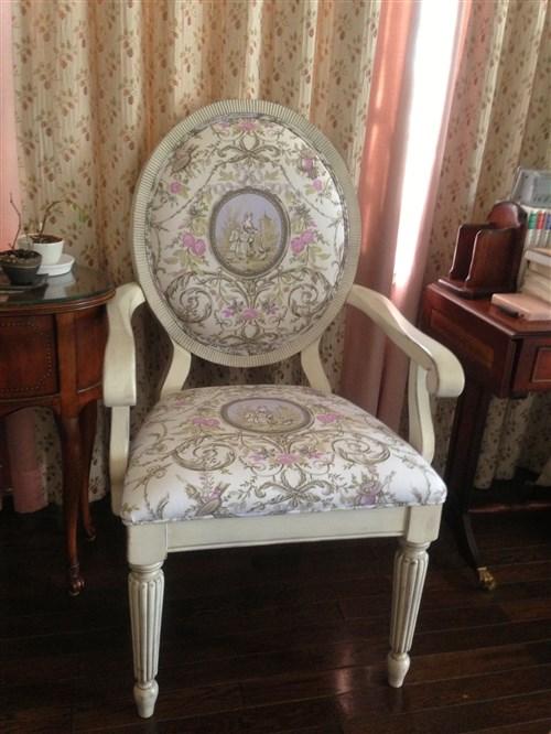 トワルドジュイ椅子例