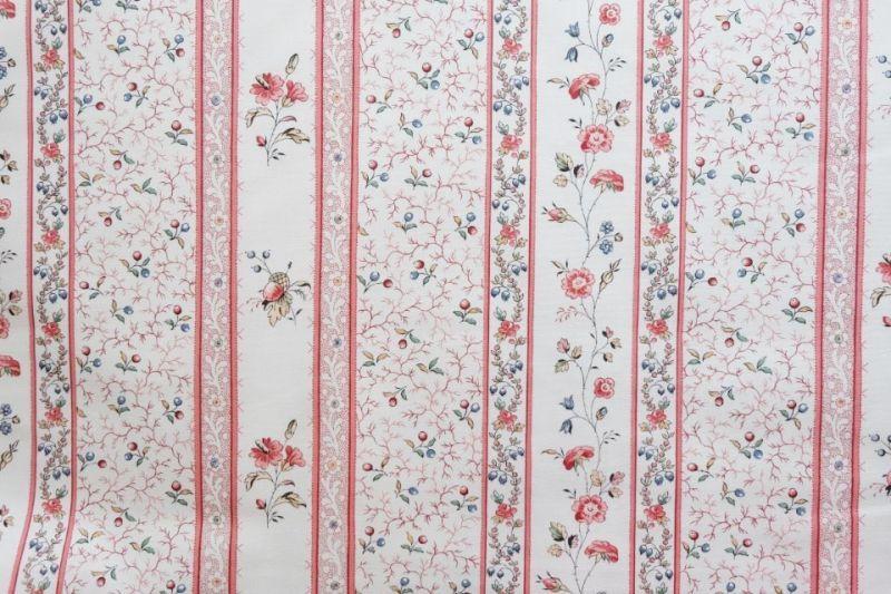画像1: 「即納F」はぎれ73x50:シャルロット(ホワイトベース赤・ブルー)/80g (1)