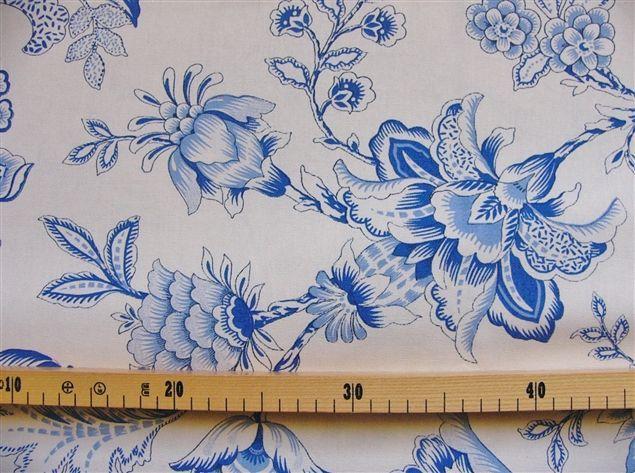 画像1: 「即納J/F」はぎれ70x50:イザベル(トワルドジュイ風花柄、ホワイトベースブルー) /90g (1)