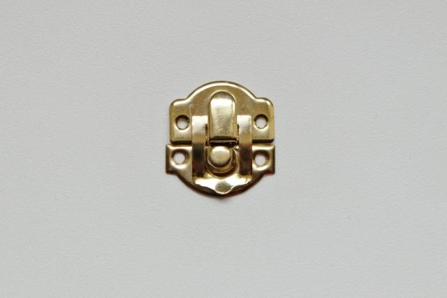 画像1: 「即納F」 留め金具26x28mmゴールド /8g (1)