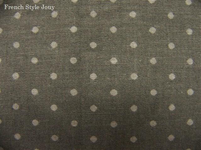 画像1: 「移動中」布:ドッツ(グレイベースグレイ)長さ50cm単位 /80g (1)