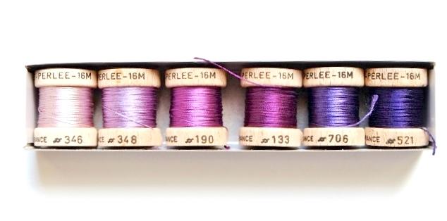 画像1: 「移動中」絹糸6色セット:AU VER A SOIE 紫系 16m×6点 /200g (1)