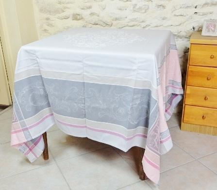 画像1: 「即納F」テーブルクロス160x160cm:ヴェルサイユ(ピンク・グレイ、ジャカード、テフロン加工) /570g (1)