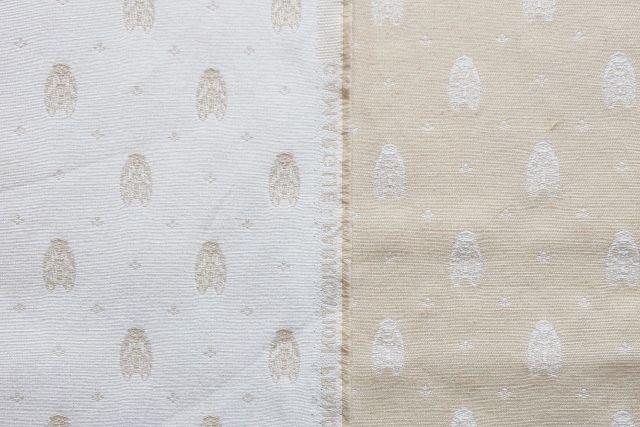 画像1: 「F在庫」はぎれ70×50:カマルグ(ジャカード、蝉、アイボリーベース)/ 130g (1)