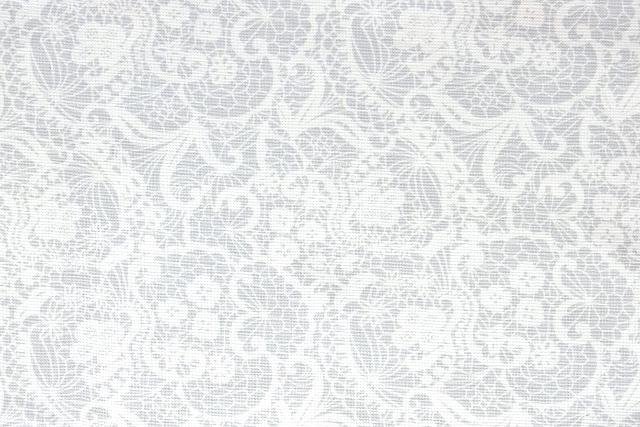 画像1: 「即納F」はぎれ70x50:レース風コットン(ライトグレイベース) /95g (1)